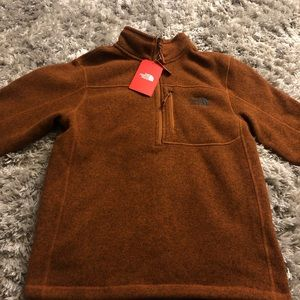 New North Face Pull Over